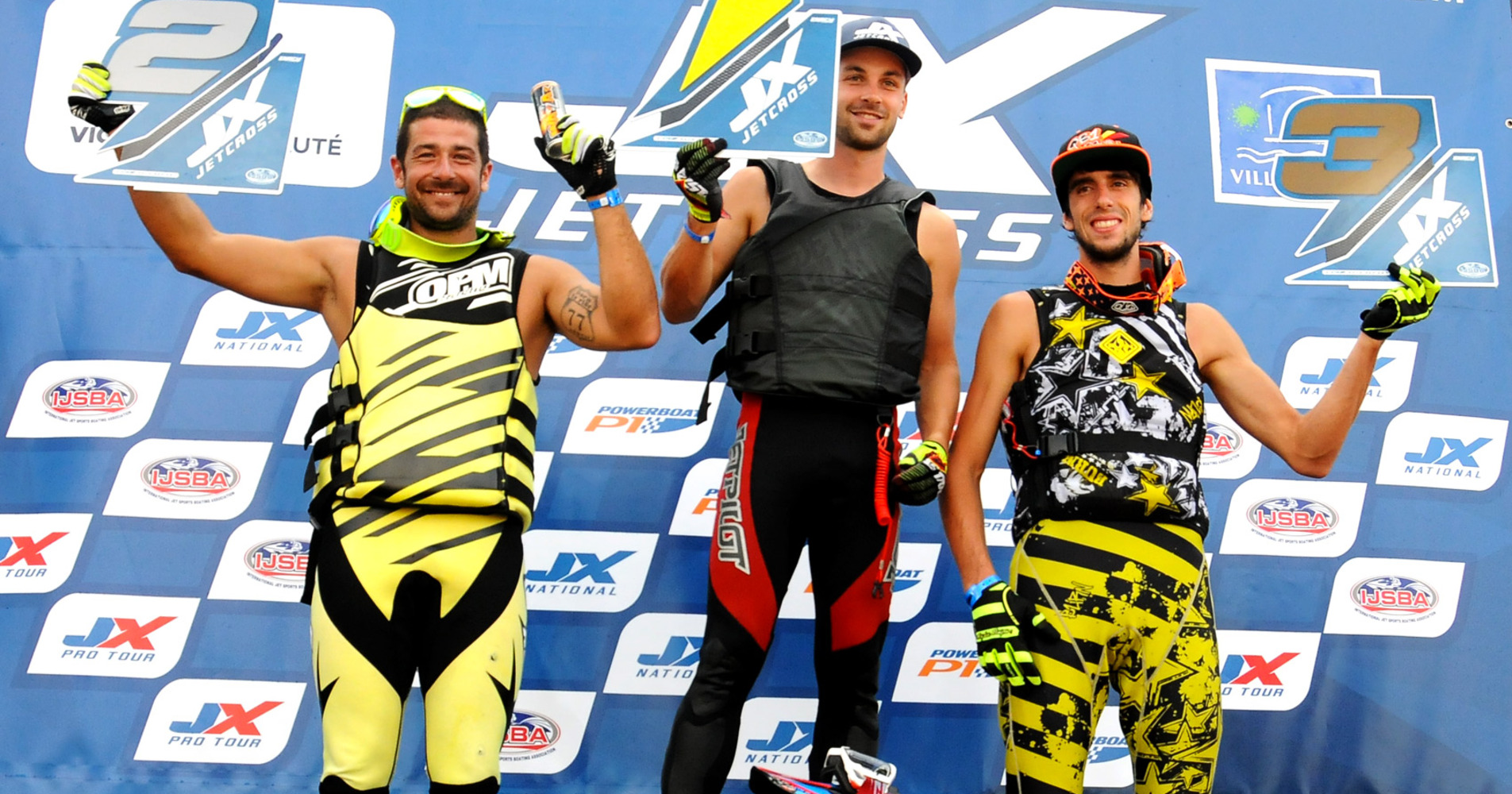 M.Poret (L), Dardillat and Bossche (R) on the podium