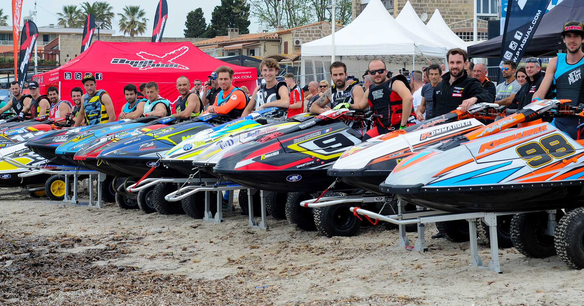 The Pro class line up for their final race of the weekend in La Seyne-Sur_mer