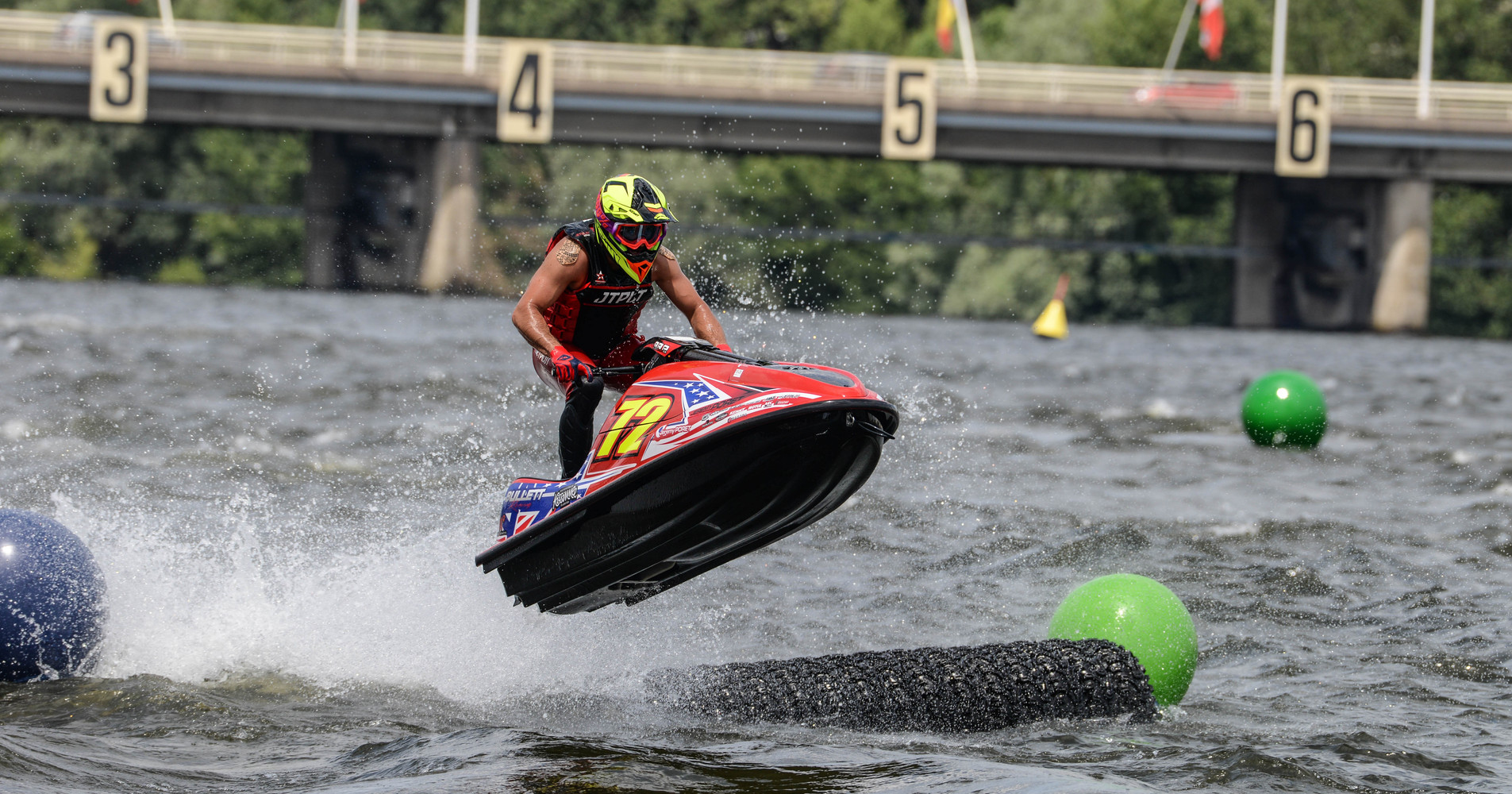 Jeremy Poret is leading the pack and close to a new Jetcross title