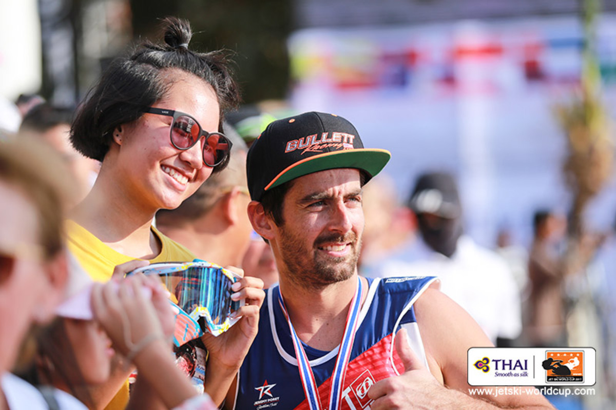 Jeremy Poret with a Thai fan, on beautiful Jomtien Beach, Thailand