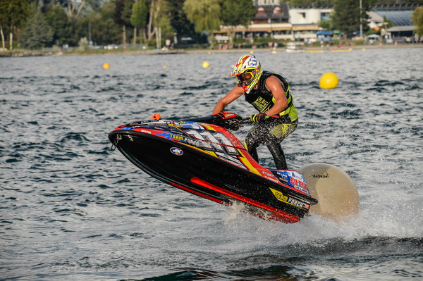 Steven Loiodice is actually on the 3rd place at the P1 Jetcross Pro Tour current standing and will be on his home lake training to defend his place on the final podium