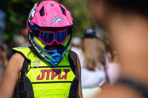 Jetpilot supports a lots of riders - here Estelle Poret
